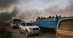 BM: Tel Abyad ve Rasulayn'da 70 bin kişi yerinden oldu