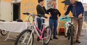 Bu akademide herkes güvenli bisiklet kullanmayı öğrenecek