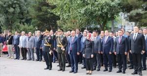 HDP'li Siirt Belediye Başkan vekili'nden skandal !.. 29 Ekim töreninde İstiklal Marşı'na eşlik etmedi