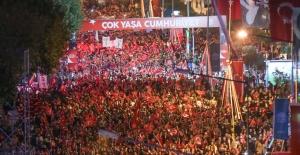 Nilüfer'de rekor kıran Cumhuriyet Yürüyüşü