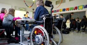 Türkiye'de engelli olan çocuklar değil, sistem