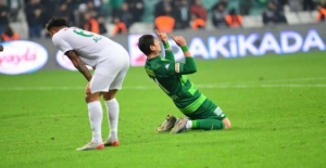 Bursaspor'un ilk yarı hesapları tutmuyor!
