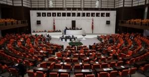 Kadın vekillerden Meclis'te Süleyman Soylu'ya protesto