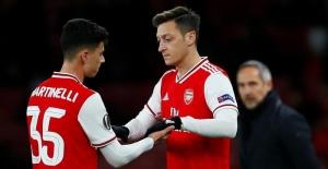 """Özil ile Arsenal arasında """"Uygur"""" ihtilafı"""