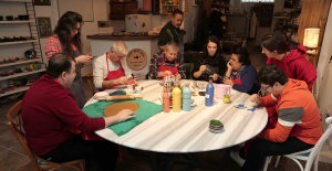 Seramik Çamuru engelli ellerde sanat eserine dönüşüyor
