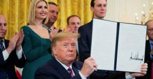 Trump Yahudi üniversite öğrencileri için koruma kanunu çıkarttı