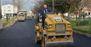 Belediye Başkanı asfalt gösterisinde adeta coştu