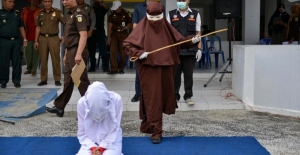 Endonezya Açe'de kadın kırbaç ekibi kuruldu