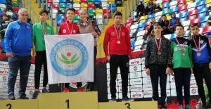 Nilüfer'e bir şampiyonluk da Atletizmden