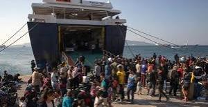 Yunanistan, Türkiye'ye günde 30 sığınmacı gönderiyor