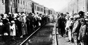 """Çeçen ve İnguş Halklarının """"soykırım"""" ve """"sürgünleri""""nin 76. yıl dönümü"""