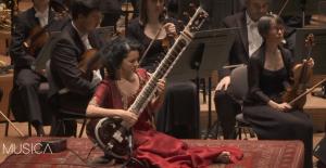 Hintli Anoushka Shankar'ın 'büyüleyici' müzikal yolculuğu