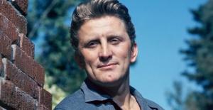 Hollywood efsanesi Kirk Douglas 103 yaşında öldü