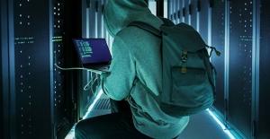 """İstihbarat teşkilatlarının yeni casusları : """"Hackerlar"""""""