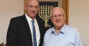 İsrail'de yeni hükümeti kurma görevi ilk olarak Gantz'a verilecek
