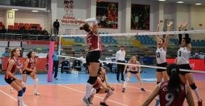 Nilüfer'in sultanları Beşiktaş'ı 3-0 yendi