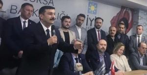 """Selçuk Türkoğlu'ndan miting gibi adaylık ilan toplantısı: """"Bursa'yı yönetmeye talip olacak kadro ve projeleri oluşturmak için adayız"""""""