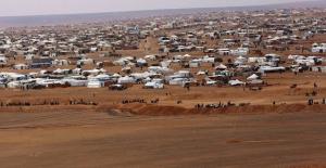 """Suriye ve Rusya: """"Washington Rukban Kampındaki Teröristlere Silah Taşıyor"""""""