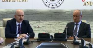 Ulaştırma ve Altyapı Bakanlığı'nda görev devri: Yeni Bakan Adil Karaismailoğlu