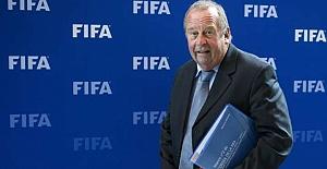 """FIFA Sağlık Komitesi Başkanı Michel D'Hooghe: """"Ligler yaz sonuna kadar oynanmamalı"""""""