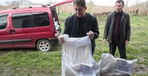 Nilüfer Belediyesi geri dönüşümle ürettiği gübreyi çiftçilere dağıtıyor