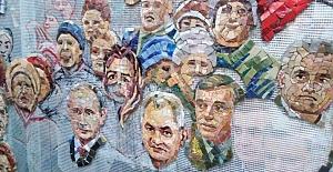 """Rus şovenizminde son perde: """"Kilise duvarında Putin ve Stalin'in tasvirleri"""""""