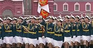 Rusya ''Zafer günü'' kutlamalarını erteledi