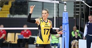 """Sırp Pasör Maja Ognjenovic: """"VakıfBank altyapısında oynadığınız için çok şanslısınız"""""""