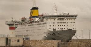 Yunanistan'da yolcu gemisi karantinaya alındı, gemide 65 Türk vatandaşı da var