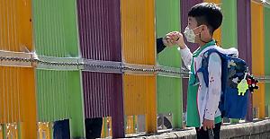 Güney Kore'de ikinci dalga endişesi büyüyor, okullar tekrar kapatıldı