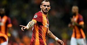 Wesley Sneijder'in jübile maçı koronavirüs önlemleri nedeniyle ertelendi