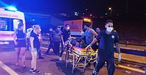 Kocaeli TEM'de yolcu otobüsü devrildi: 1 ölü, 17 yaralı