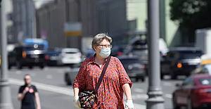 Moskova'da açık alanlarda maske takma zorunluluğu kaldırılıyor