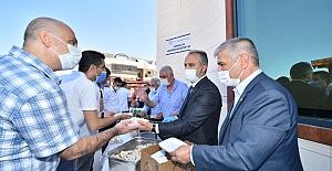 Belediye Başkanı Aktaş, vatandaşlarla bayramlaştı