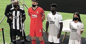 Beşiktaş'ın yeni sezon formaları kamuoyuna tanıtıldı