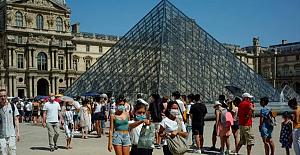 Fransa'da vakalar artıyor! Paris yeniden kırmızı bölge ilan edildi