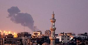 İsrail ordusu, abluka altındaki Gazze Şeridi'nde Hamas'a ait noktaları bombaladı
