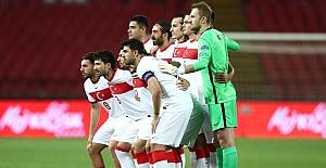 A Milli Futbol Takımı, Sırbistan ile deplasmanda 0-0 berabere kaldı