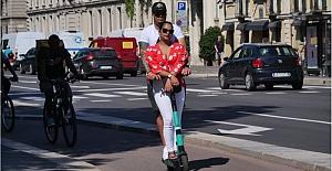 """""""Elektrikli scooter"""" İtalyan halkında hastalık haline geldi"""