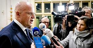 Hollanda Adalet Bakanı'na 390 euroluk korona cezası