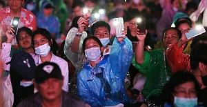 Tayland'da monarşi karşıtı protesto: 'Bu ülke krala değil, halka aittir'