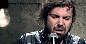 Ünlü şarkıcı Halil Sezai gözaltına alındı