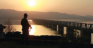 12 Terörist Yunanistan'a geçmeye çalışırken yakalandılar!