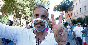 """36 Bin kişinin öldüğü İtalya'da koronavirüs tedbirleri protesto edildi: """"Özgürlüğümüzü istiyoruz!.."""""""