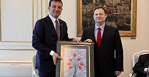 Başkan İmamoğlu, Fatih'in tablosunu Osmanlı Hanedanı fertleriyle buluşturdu