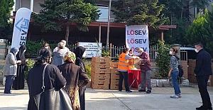 LÖSEV Bursa'da da Sofralara Şifa Dağıtıyor