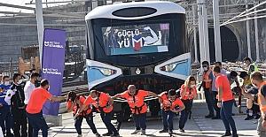 Tren Çekme Yarışması etkinliğinde metronun en güçlüleri yarıştı