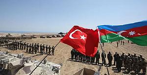 Türkiye'den, Bağımsızlığını kutlayan Azerbaycan'a çok sayıda destek ve kutlama mesajı