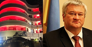 """Ukrayna'nın Ankara Büyükelçiliği'nden Farklı 29 Ekim Kutlaması: """"Bina Kırmızı - Beyaza Büründü"""""""