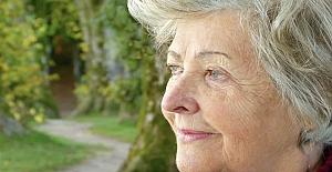 65 Yaş üstü insanımız evde nasıl aktiviteler yapmalı?